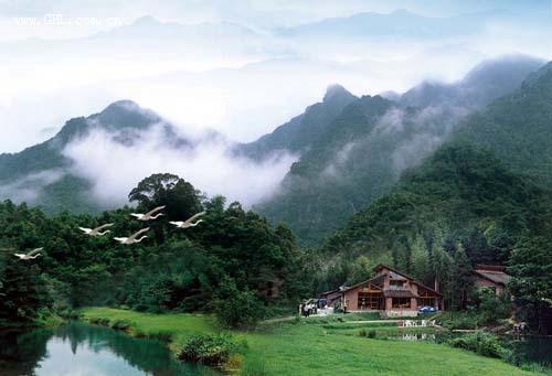 拥有南昆山自然保护区,南昆山国家森林公园,南昆山生态旅游区三个风景
