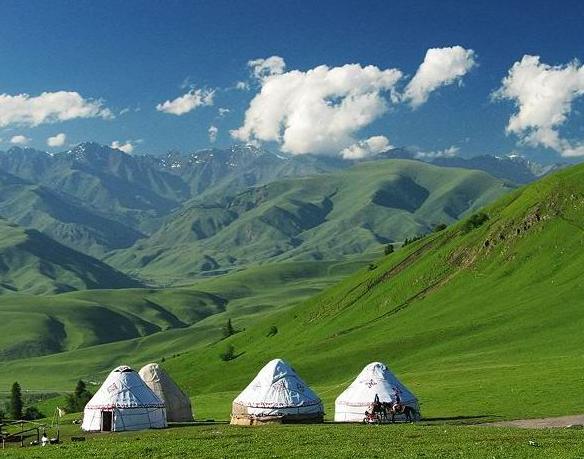 那拉提草原风景区是伊犁9大草原中旅游开发最早的草原,是